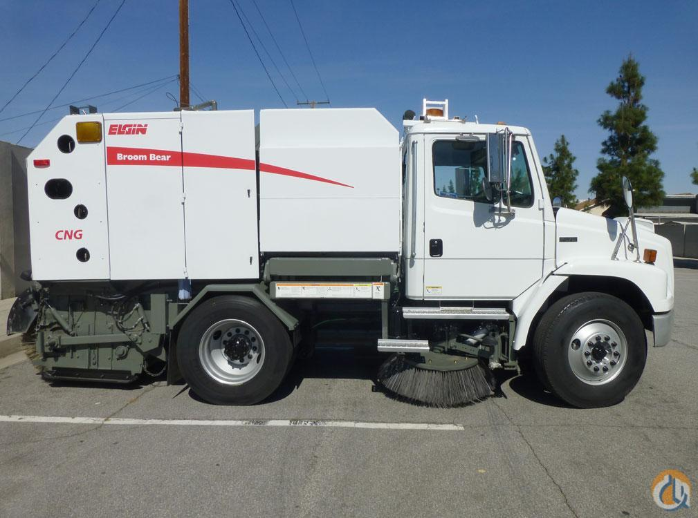 2005 ELGIN BROOM BEAR CNG Street Sweeper  Sweepers  Broom Equipment ELGIN BROOM BEAR CNG Big Truck amp Equipment Sales LLC 18918 on CraneNetwork.com